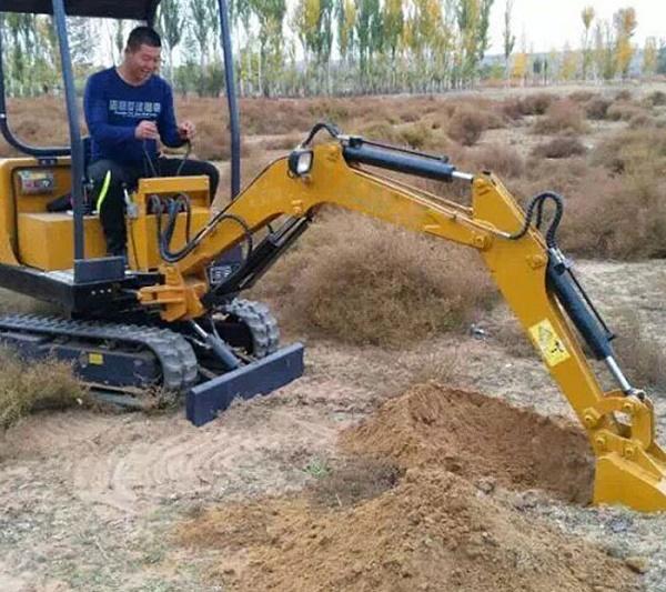 小型挖掘机故障保养常识